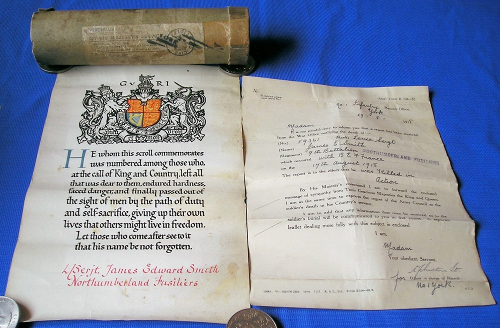 WW1-Memorial-scroll-with-postal-tube-original[2].jpg
