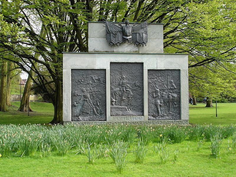 K.R.4-Denkmal.jpg