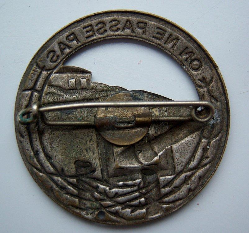 Maginot Line Badge Reverse.JPG