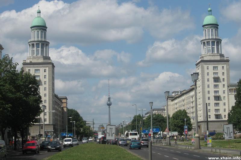 frankfurter-tor-fernsehturm.jpg