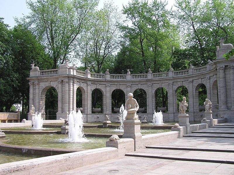 Maerchenbrunnen07.JPG