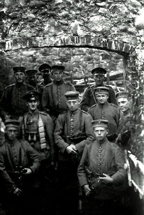 Mecklenburger_Dragoner_Ostfront_1916.jpg