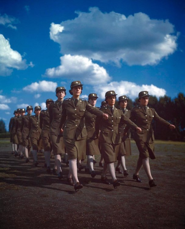 Canadian Army Women during The World War II (10).jpg
