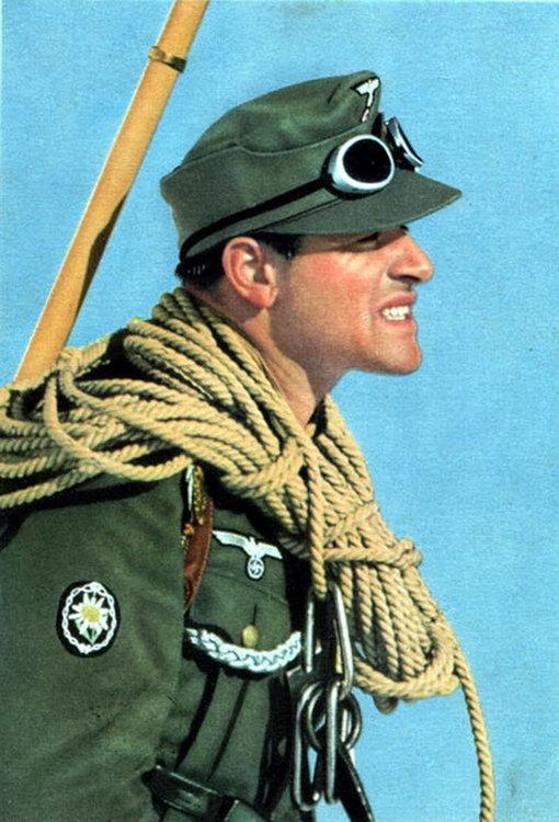 german mountain troops trooper soldier soldat berg gebirgsjaeger climber force uniform color.jpg