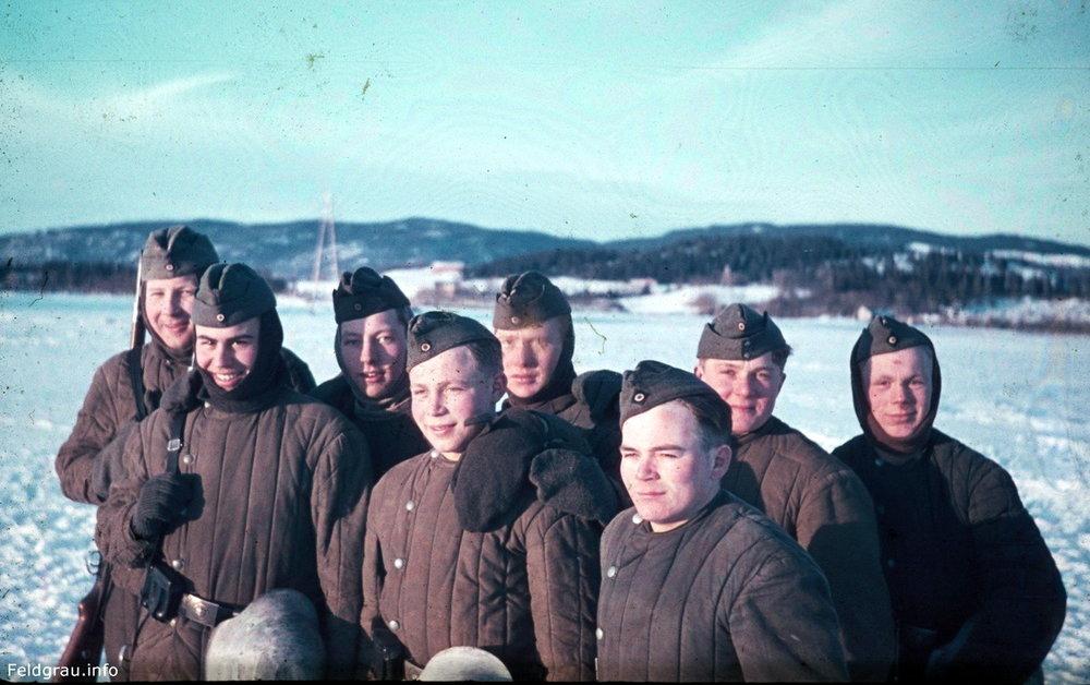 german soldiers telogreika vatnik captured russian wardrobe1.jpg
