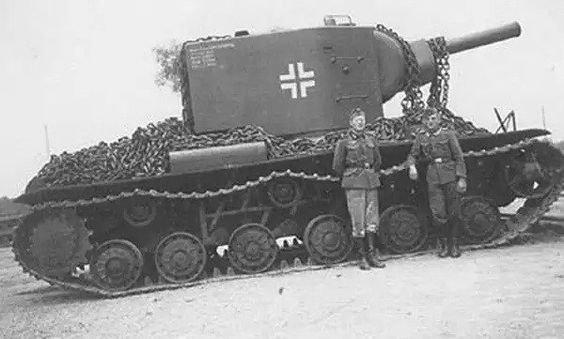 KV_Tanks_used_By_Germans_2.jpg