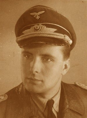 Portret 1941 cropped.jpg