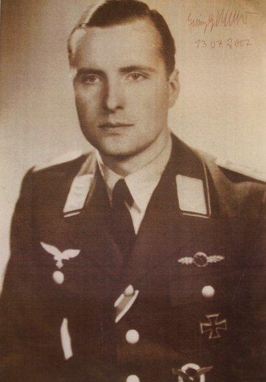 Portret 1942 cropped.jpg