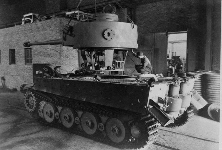 7804dc13cd7014f5614d088ef94852a9--panzer-iv-military-equipment.jpg