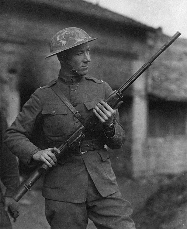 800px-Val_Browning_M1918_BAR.jpg