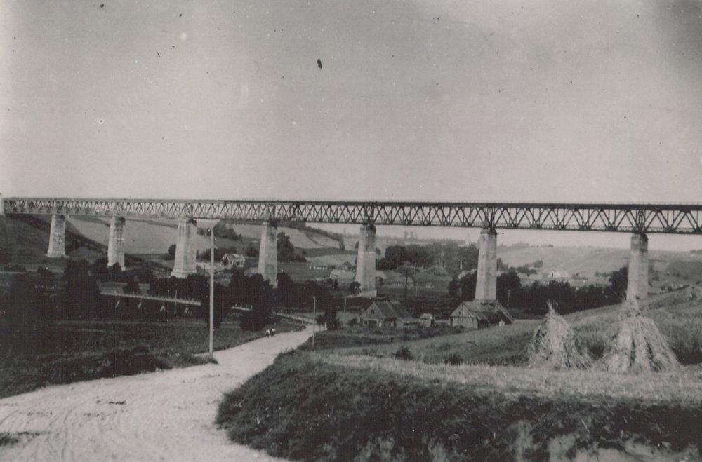 Lyduvėnų geležinkelio tiltas prieškariu.jpg