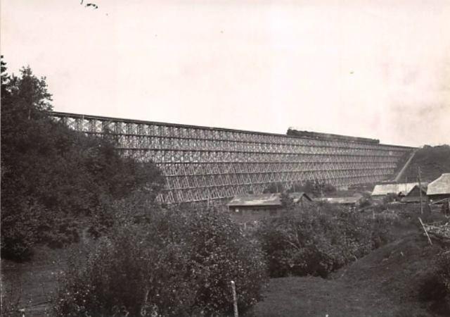Didžiausias medinis I-ojo pasaulinio karo laikų geležinkelio tiltas per Dubysą Lyduvėnuose 1916 m..jpg